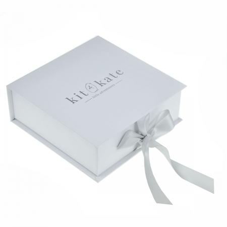 logo-embossed-paper-wedding-invitation-box-1